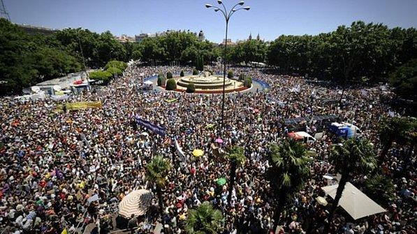 Protesto dos Indignados na Espanha, em 2011 (Fonte: outraspalavras.net)