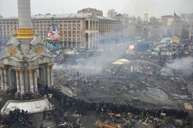 A praça da Independência, em Kiev, na quinta feira 19 (Fonte: Wall Street Journal)